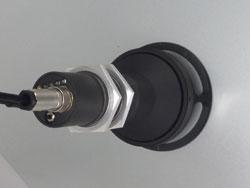Misurazione dello spessore del film d'olio confrontando due finestre di lunghezza d'onda nella gamma dell'infrarosso medio.